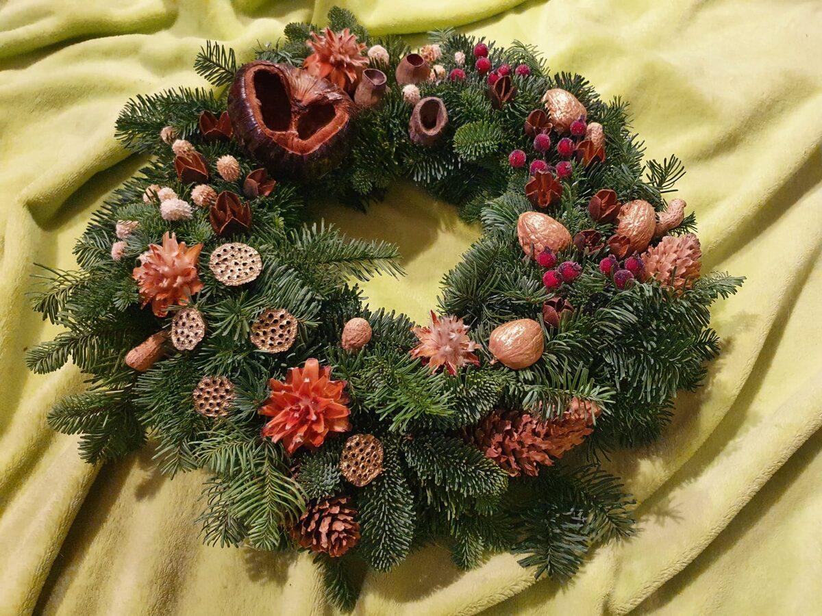 Kalėdinis vainikas/ Pilnatvė